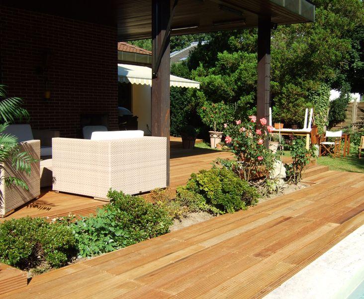 terrassenbau aus holz terrassenbau holz garten landschaftsbau terrassen aus holz unterbau. Black Bedroom Furniture Sets. Home Design Ideas